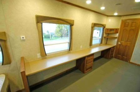 gallery with side countertops